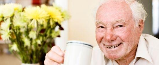 Opa Ewald sucht sich den Küchenzuruf aus